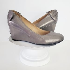 Report Pewter Silver Bow Almond Toe Wedge 9.5